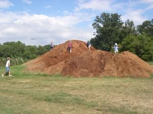kids-on-mulch-mountain
